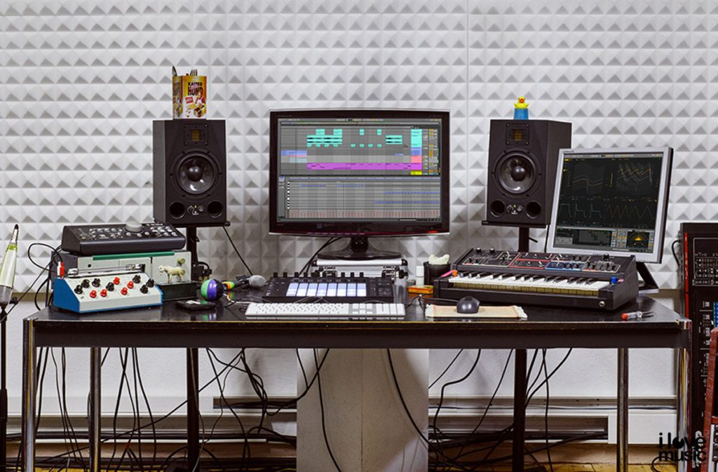 Ableton live work desk image