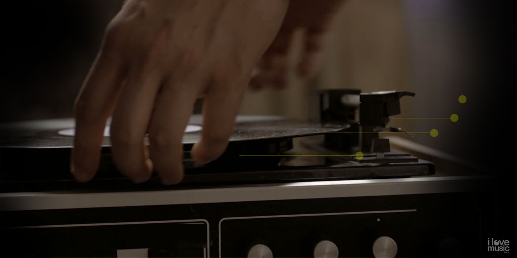 turntable | Placing a record